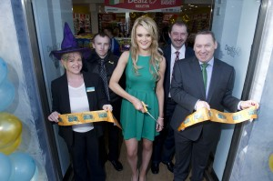 free pic no repro fee Mary Horgan , Cameron Cox  ,Miss Cork Susan Brosnan,Tim McDonnell Dealz   and Dealz Business Manager Brendan Doyle pictured as DEALZ OPENS SECOND STORE IN CORK  CREATING 20 NEW JOBS,The opening of the new Dealz store in  Midleton. The new store will create 20 new jobs for the area.Dealz Midleton, situated at 94 Main Street, is the second Cork store to open to date, bringing the total number of Dealz stores in Ireland to twenty. Images By Gerard McCarthy 087 8537228 more info contact Ciara O' Connell and Ruth Kavanagh, WHPR, 01 6690030 087 6260244 (CO'C) 086 3640483