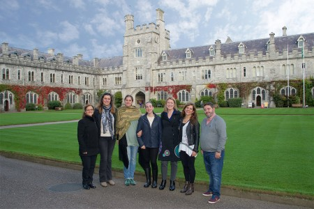 REPRO FREE 13/10/2016, Cork – Five specialist travel agents from Spain have been enjoying a fact-finding visit of Ireland this week, as guests of Tourism Ireland and Fáilte Ireland. The group was made up of ELT (English Language Training) specialists – responsible for putting in place arrangements for Spanish students who wish to travel abroad to improve their English.        PIC SHOWS: Spanish ELT (English Language Training) agents in UCC with tour guide Cecilia Ferrari (left); and Susan Bolger, Tourism Ireland (third right). Pic – John Roche (no repro fee) Further press info – Sinéad Grace, Tourism Ireland 087 685 9027